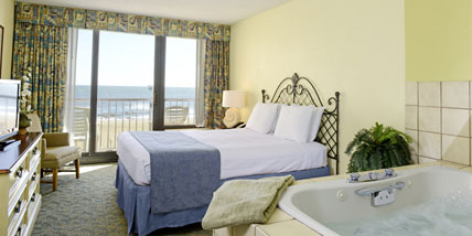 Celebrate A Getaway In Beautifully Ointed Room That Includes Whirlpool Tub Queen Sized Bed Refrigerator Microwave